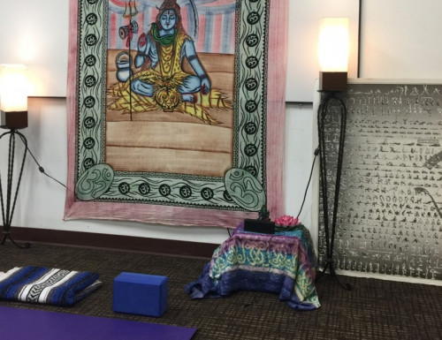 still picture of yoga mat and block